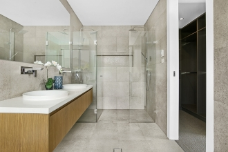 Magrath_Street_12_Kellyville_(Bathroom)
